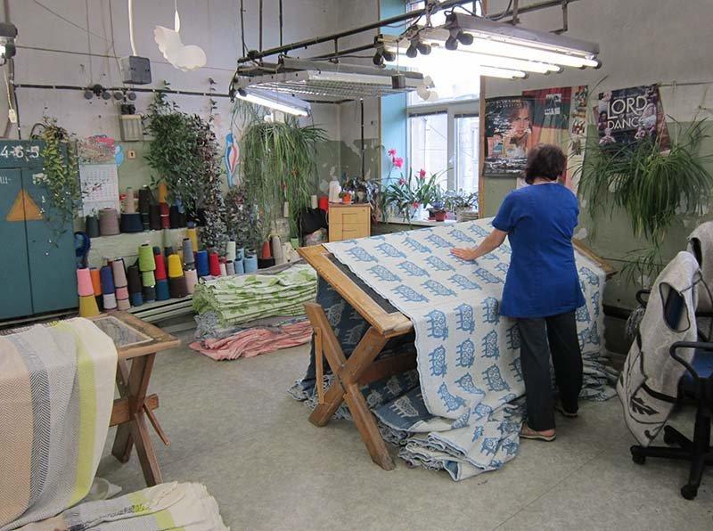 wolldecken von klippan yllefabrik in der schweiz kaufen rrrevolve online shop f r sinnvolle. Black Bedroom Furniture Sets. Home Design Ideas