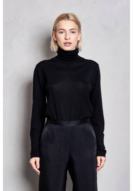 Pullover Maska Loka Silk Roll Neck Sweater black