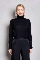 Pullover Maska Loka Silk Roll Neck Sweater black