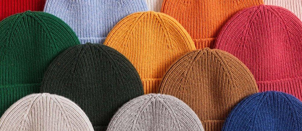 Fair & nachhaltig produzierte Basics wie T-Shirts, Hoodies, Sweater und Beanies made in Portugal hier in der Schweiz online kaufen.