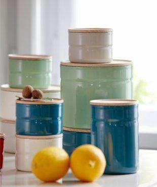 Riess Emailwaren Online-Shop Schweiz. Die schönsten Artikel von Riess hier in der Schweiz online kaufen oder in unserem Laden in Zürich.
